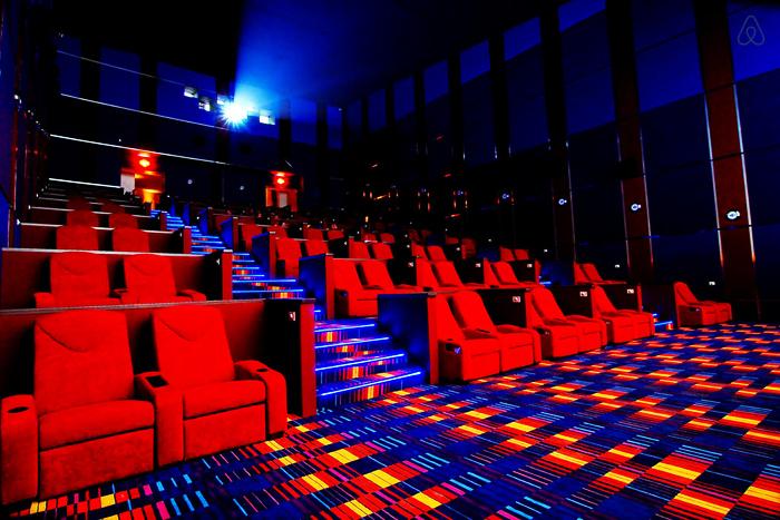 Newport Ultra Cinema ở Newport City, Philippines có thế giới riêng cho những cặp đôi.
