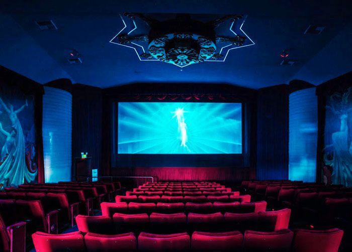 Orinda Theater ở California nổi tiếng với các phòng chiếu được thiết kế đẹp mắt theo nhiều phong cách khác nhau.