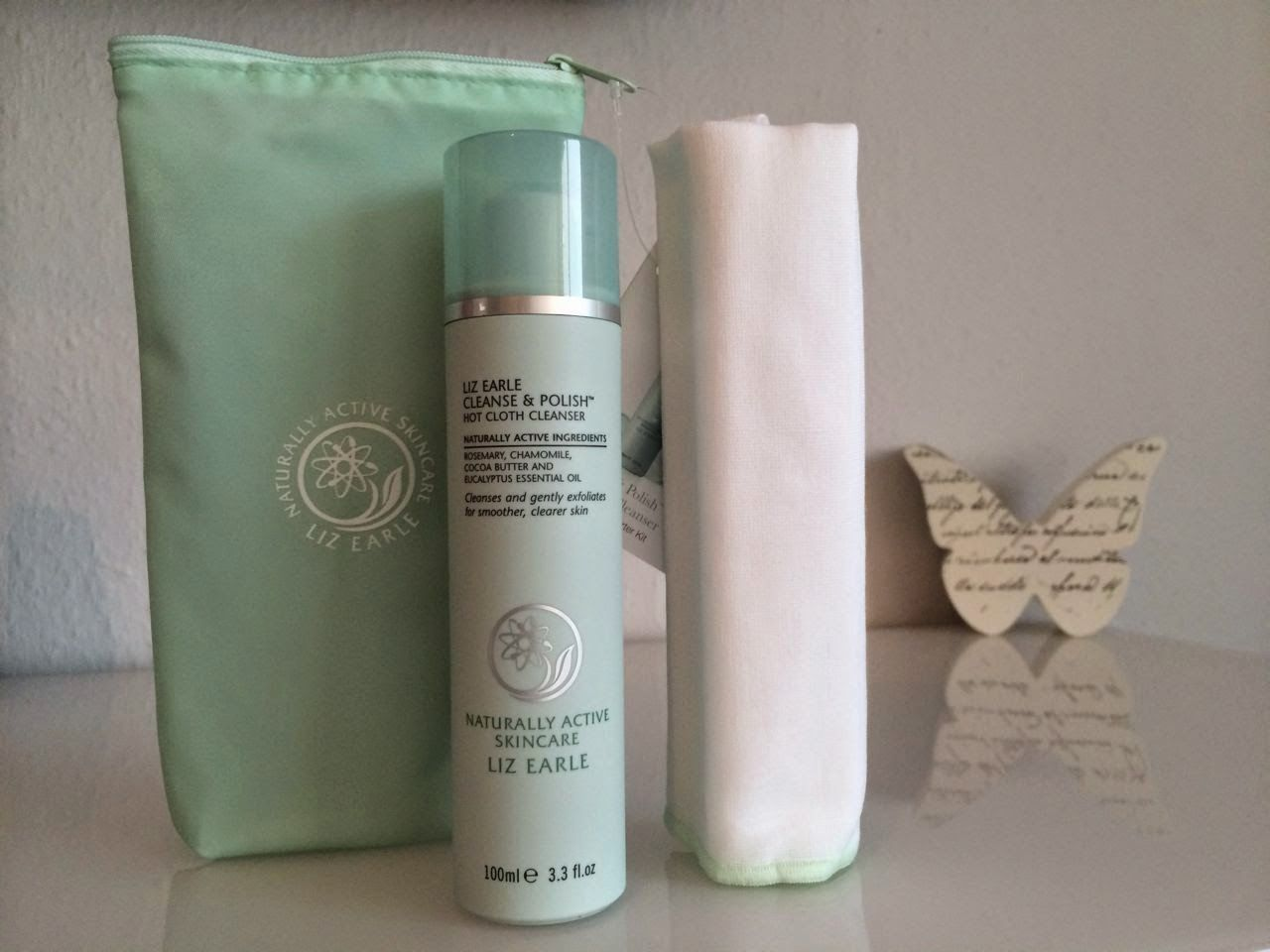 Review: Liz Earle Clean & Polish Hot Cloth Cleanser- Naturall Active Ingredients