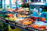 (CT) Thế giới đồ ăn vặt bên bến Ninh Kiều