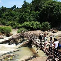 Đưa nhau đi trốn - Chuyến thám hiểm Bầu nước sôi gần Sài Gòn
