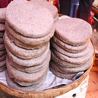 """Bánh Tam Giác Mạch nơi cao nguyên đá """"cháy hàng"""""""