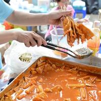 (HCM) Hội tụ các món ăn đường phố trên thế giới ngay tại Sài Gòn