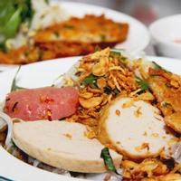 (HCM) Thưởng Thức Món Bánh Cuốn Trứng Cực Ngon Ở Tân Phú