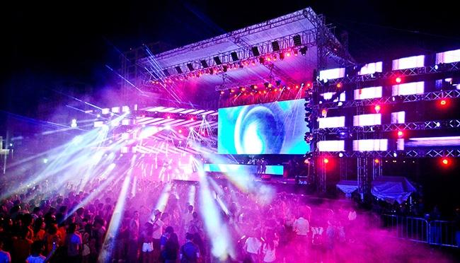 dai-hoi-The-Wave-Music-Festival-va-Escape-New-Years-Eve%20(14)