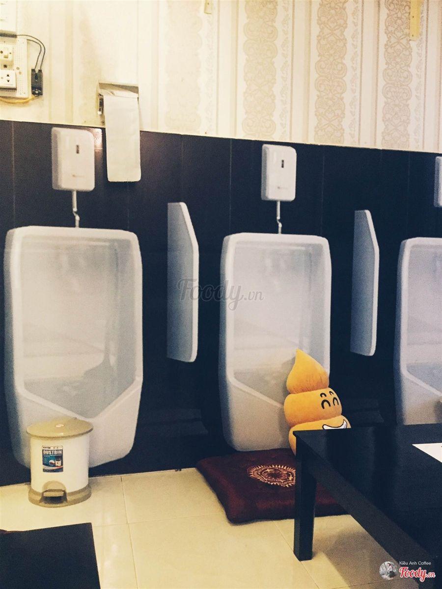 """Ngộ nghĩnh cafe """"Toilet"""" đầu tiên ở Cần Thơ"""