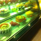 Bánh tại quầy bar