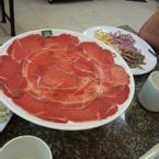 Đĩa bò nè, ăn thơm và ngọt thịt lém, mì ăn ngon và nhiều màu thấy thix thix :D