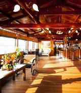 Bonsai Cruise - Nhà hàng trên tàu