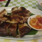 Gà nướng ướp gia vị Khmer