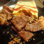 thịt bò + cơm trứng cuộn siêu dở