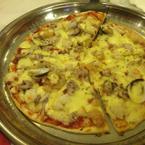 Pizza ăn ổn, không hấp dẫn lắm