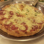 pizza 1/2 pepperoni 1/2 seafood - 195k