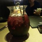 Bình nước dạng cocktail  bự chà bá 2 đứa uống chung.