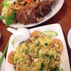 Giò heo kim chi và cơm chiên dương châu