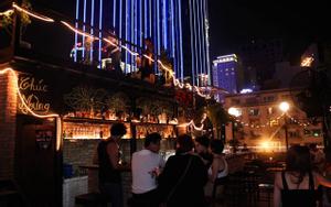 Broma Saigon Bar