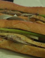 Bà Lan - Bánh Mì Thịt Chả