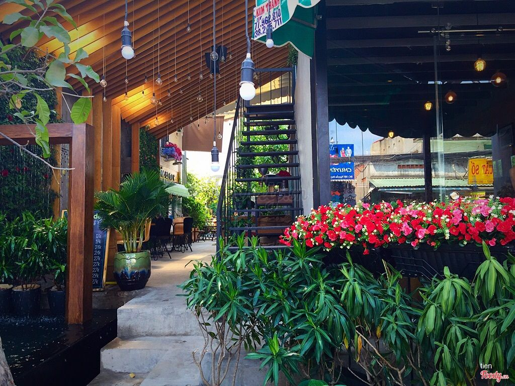 Những quán cafe đẹp ở các quận trung tâm Sài Gòn. Ảnh 7