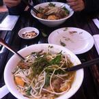 """ham ăn wa"""" nên bỏ rau vô rồi mới chụp hình :D"""