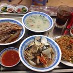 Ốc móng tay, ngao xào, cháo hải sản, sò điệp.