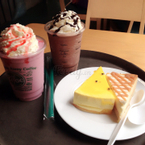 Combo with only 50k 1 drink and 1 cake