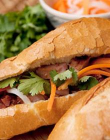 Bánh Mì Heo Quay - Ngô Thời Nhiệm