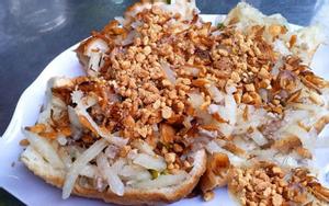 Bánh Mì Hấp Chợ Cô Giang