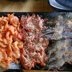 thịt cá sấu, đà điểu và tôm nướng muối ớt