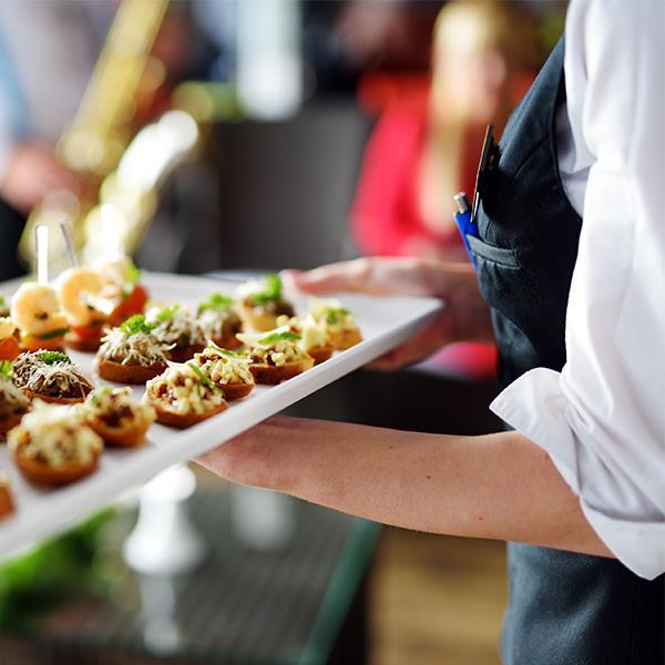Cải thiện quy trình order nhà hàng bằng thiết bị order cầm tay