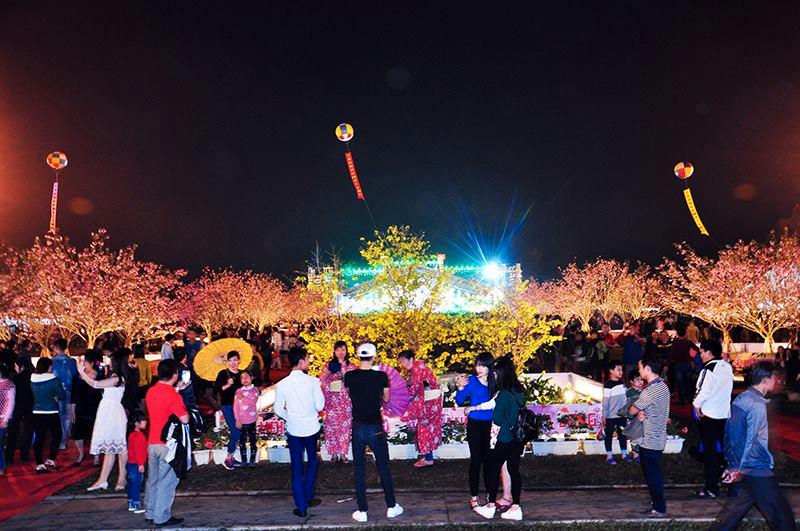 Trải nghiệm đồ ăn vặt tại lễ hội Hoa Anh đào Quảng Ninh - ảnh 5
