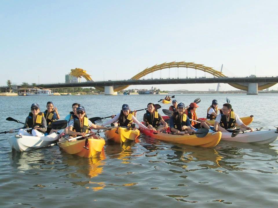 Kết quả hình ảnh cho Chèo thuyền Kayak foody.vn