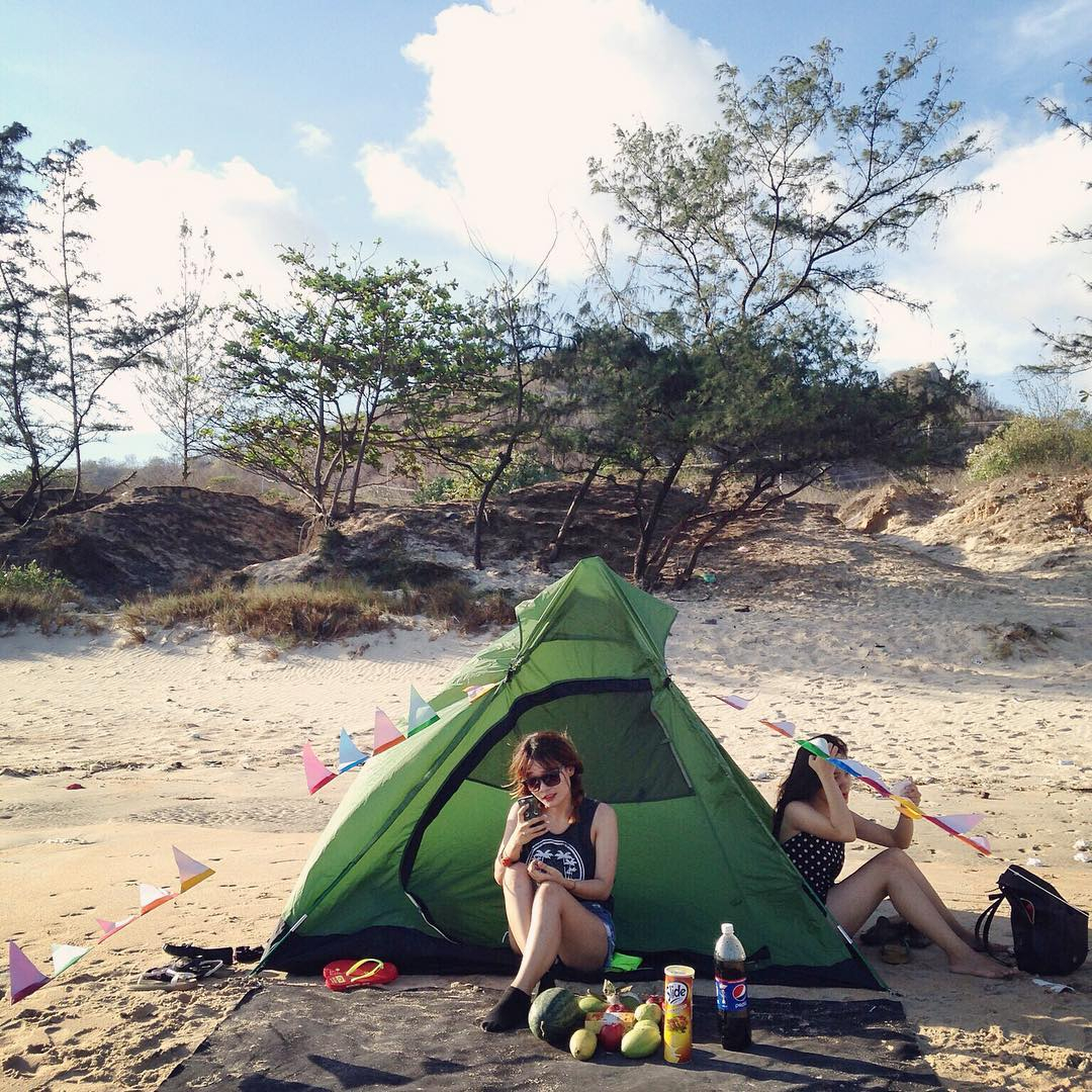 Kết quả hình ảnh cho cắm trại nằm đất