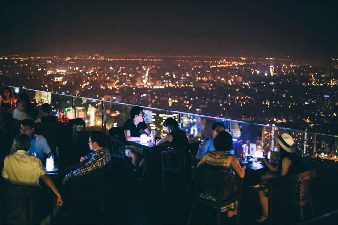 dia-diem-hen-ho-tren-rooftop-3
