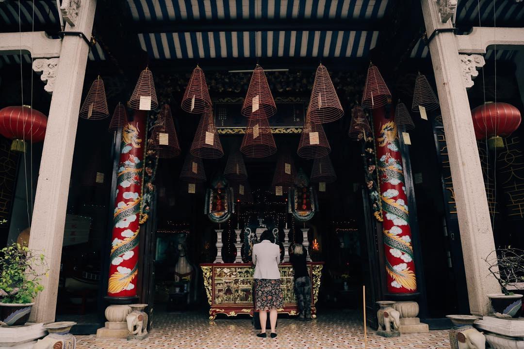 Kết quả hình ảnh cho con phượng trong chùa