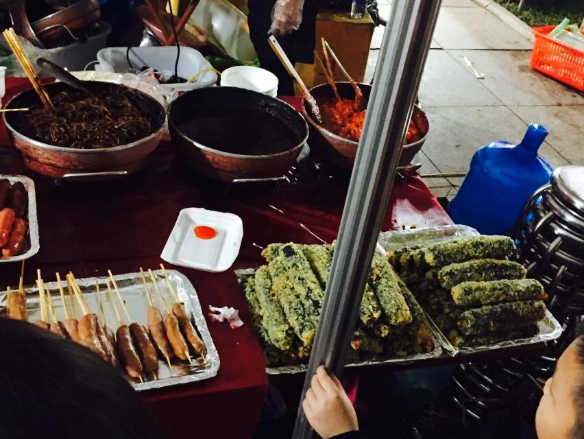 Trải nghiệm đồ ăn vặt tại lễ hội Hoa Anh đào Quảng Ninh - ảnh 10