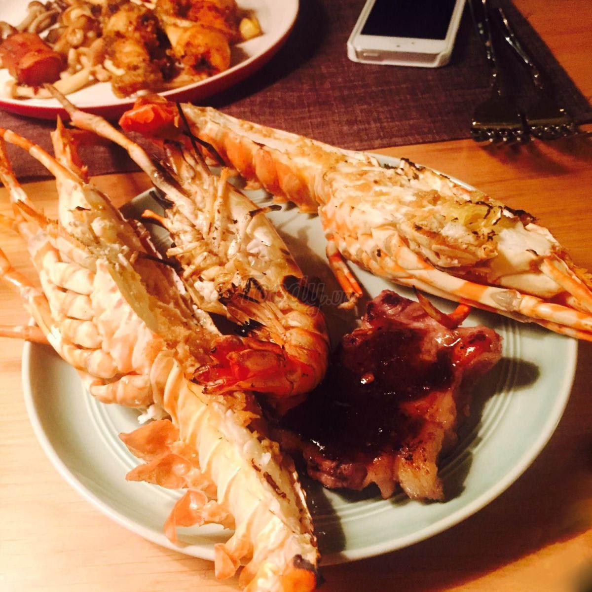 buffet-hai-san-tom-hum-the-log-restaurant