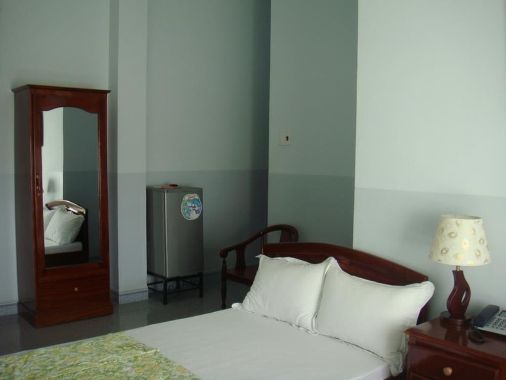 Khách sạn Việt Hương