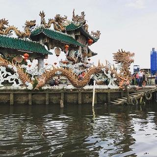 Ngôi miếu nổi linh thiêng giữa sông Sài Gòn với tuổi đời 3 thế kỷ