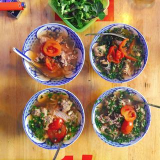 4 quán ăn lâu đời LUÔN ĐÔNG KHÁCH ở miền tây