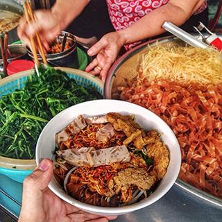 Gọi tên 6 QUÁN TRỘN MÁT NGON cho ngày hè nóng nực ở Hà Nội