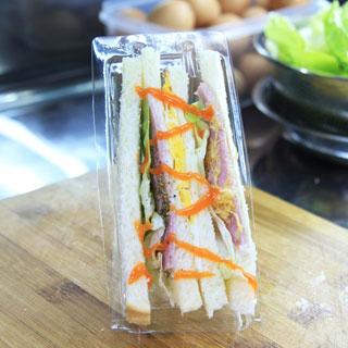 Chía Núi - Khi Sandwich Được Ẩm Thực Đường Phố Hóa.