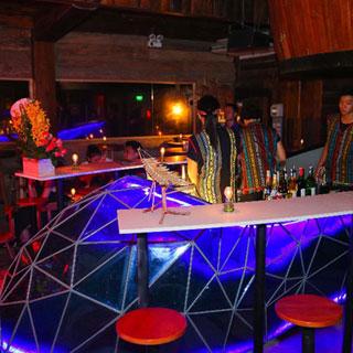 Cinderella Bar - Khi Đông Tây Kết Hợp