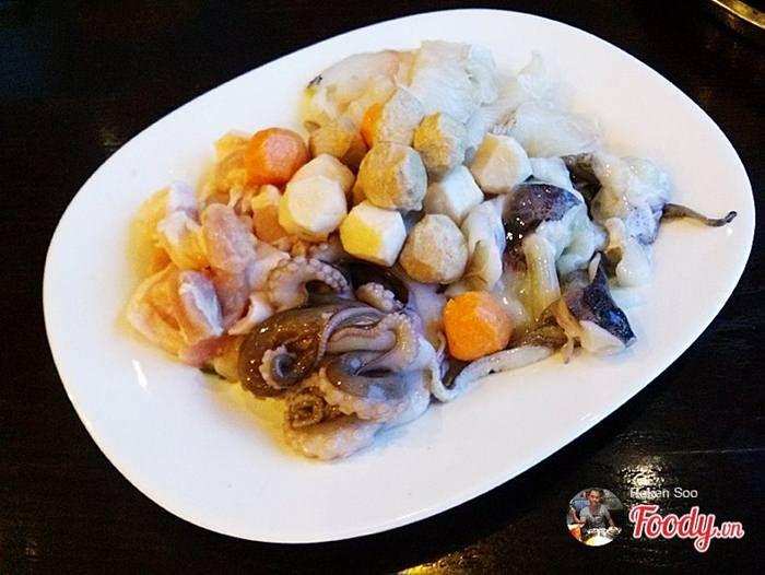 Rainbow buffet - Buffet ăn vặt tại Nhà hàng Cầu Vồng 3