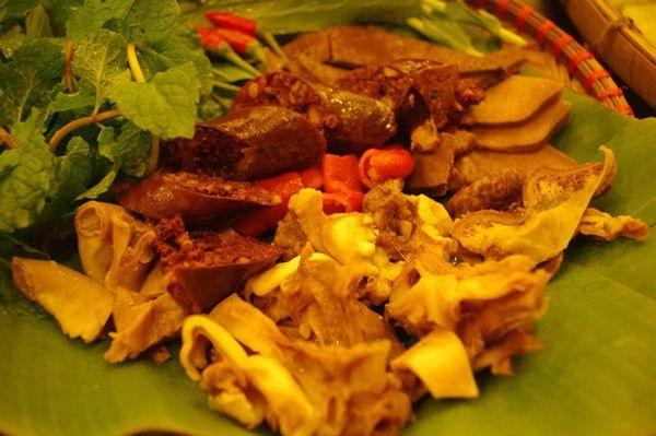 """Tuyệt vời quán bún đậu mắm tôm """"hot"""" nhất Sài Gòn 4"""