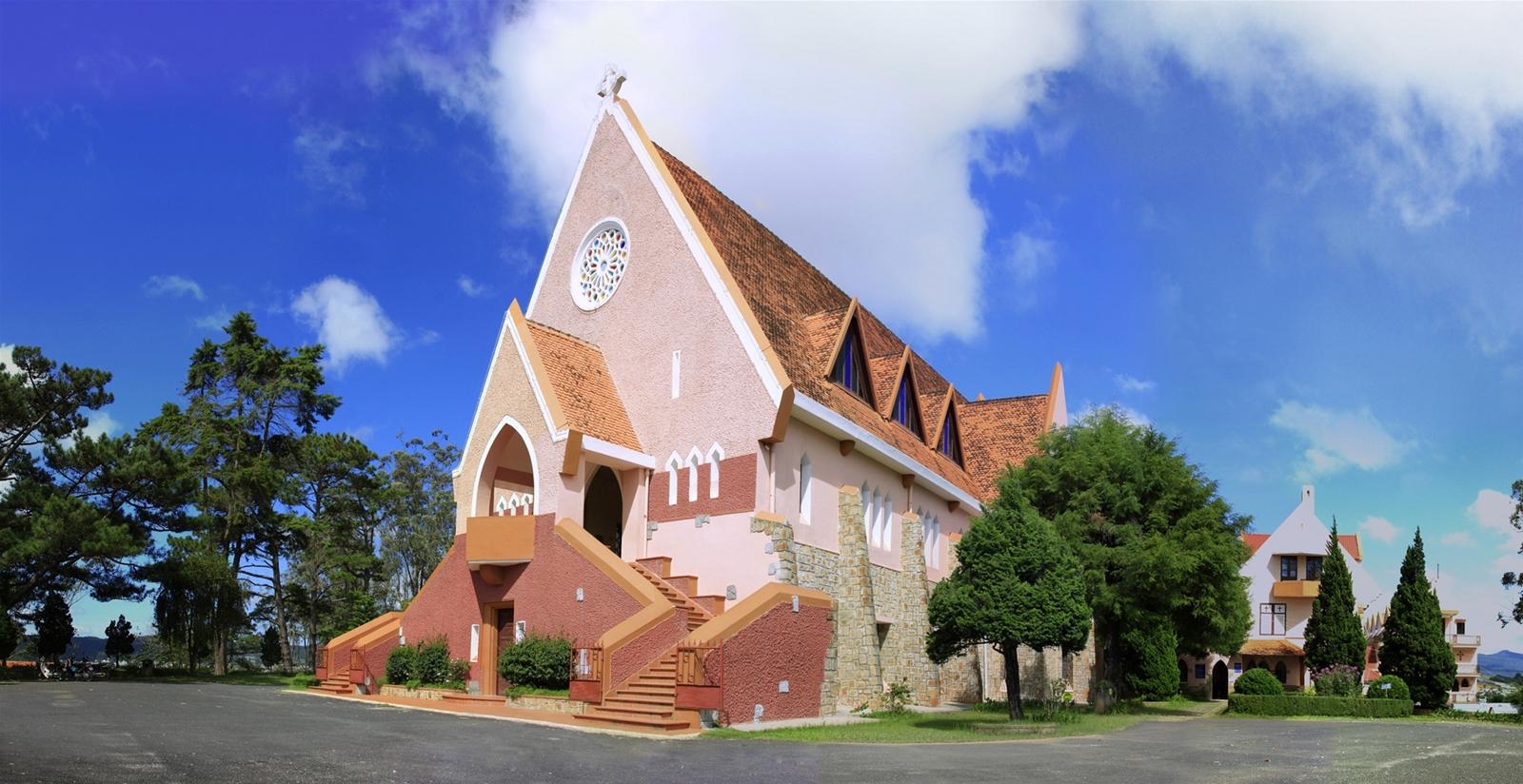 Nhà thờ Domain De Marie