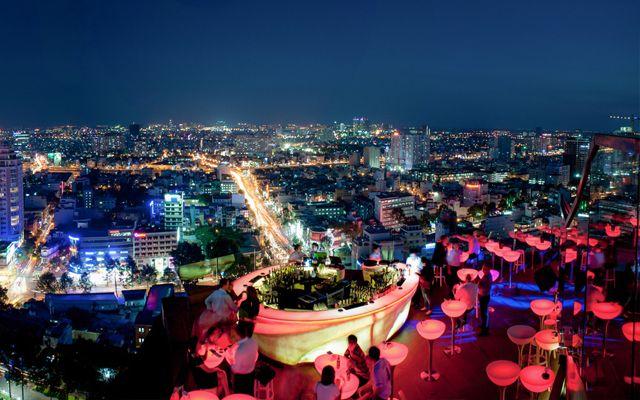 Chill Sky Bar - Rooftop Bar, Sân Thượng AB Tower ở Quận 1, TP. HCM