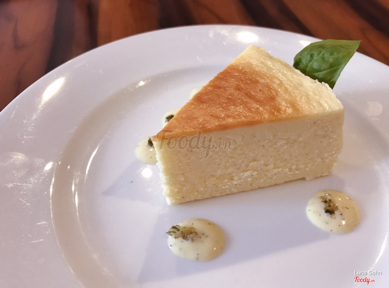 Baked Cheese Cake _ 80,000VND