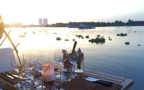The Deck Saigon - Ven Sông Saigon
