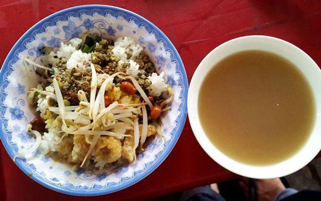 Cơm Hến Bà Cam - Trương Định ở Huế