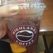 Ly trà đào dở nhất mình từng uống...ko có vị trà, ngọt như nước đường. 😡